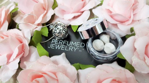 [GIVEAWAY] Perfumed Jewelry